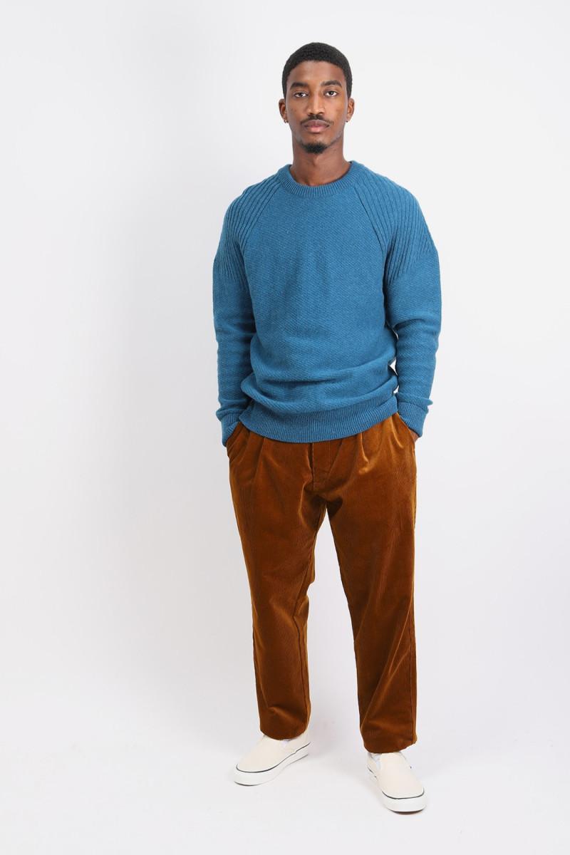 Pleated trousers penton cord Rust