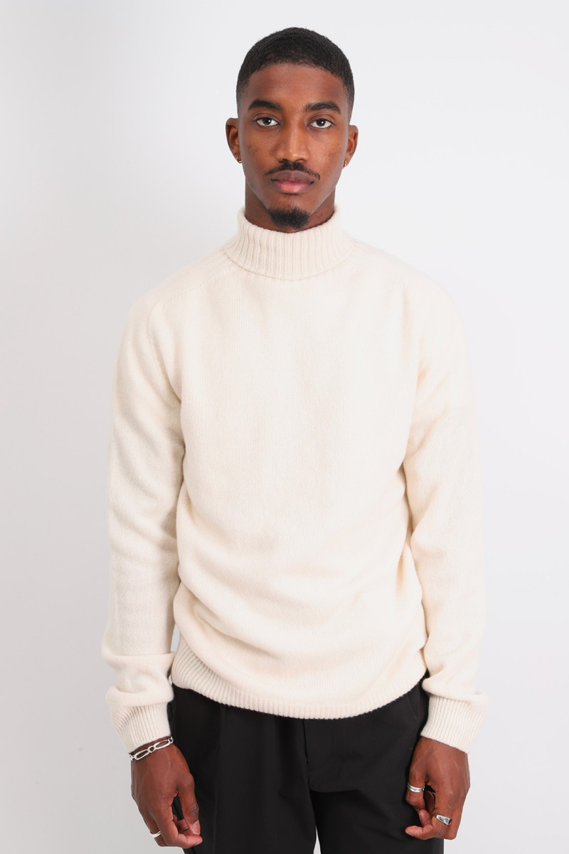 Rollneck sweater Ecru