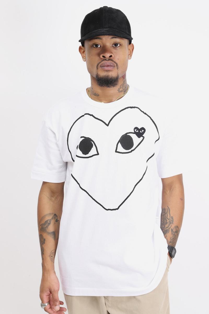 Black play t-shirt black heart White