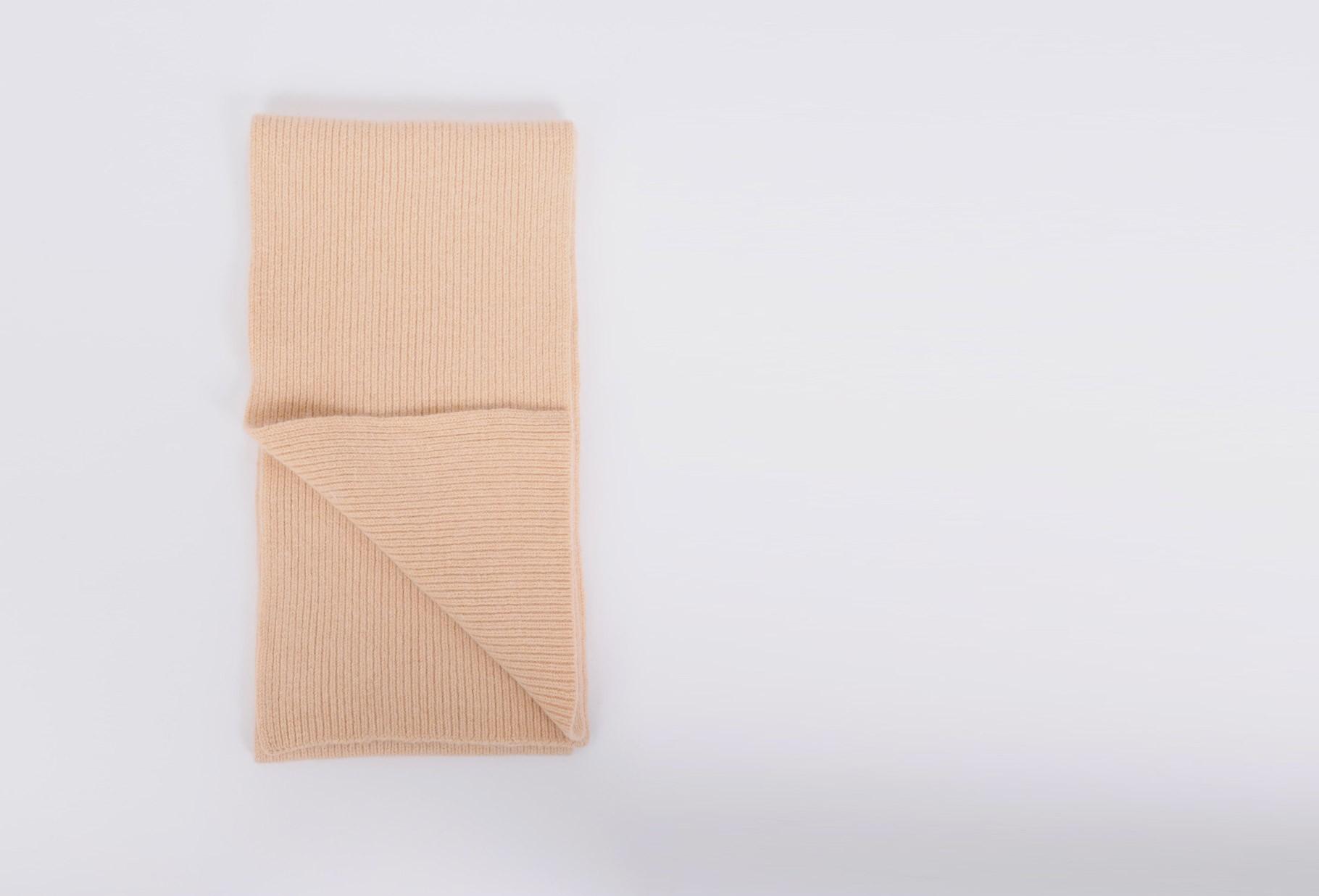 MACKIE / Geelongora ribbed scarf Peach