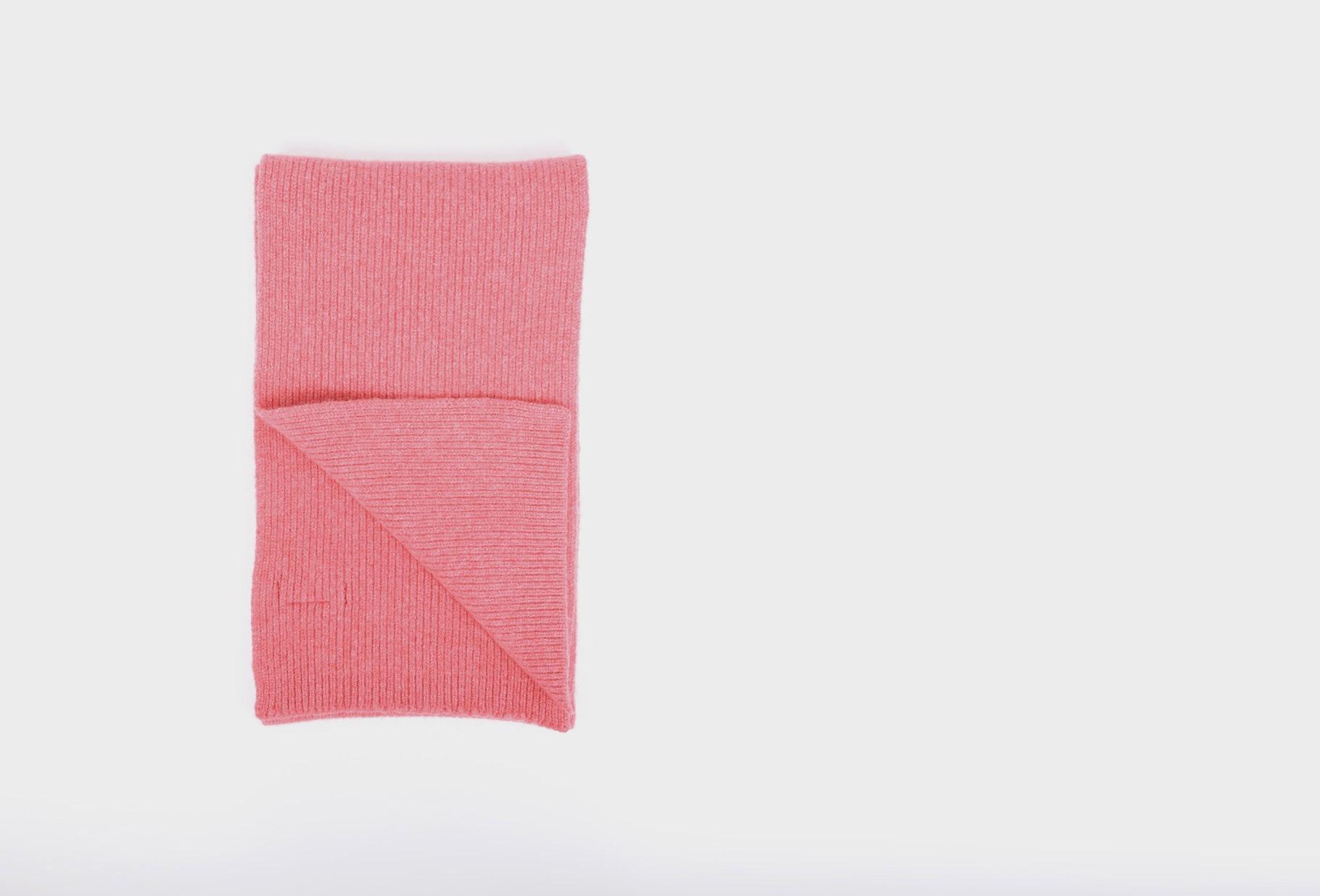 MACKIE / Geelongora ribbed scarf Lipstick