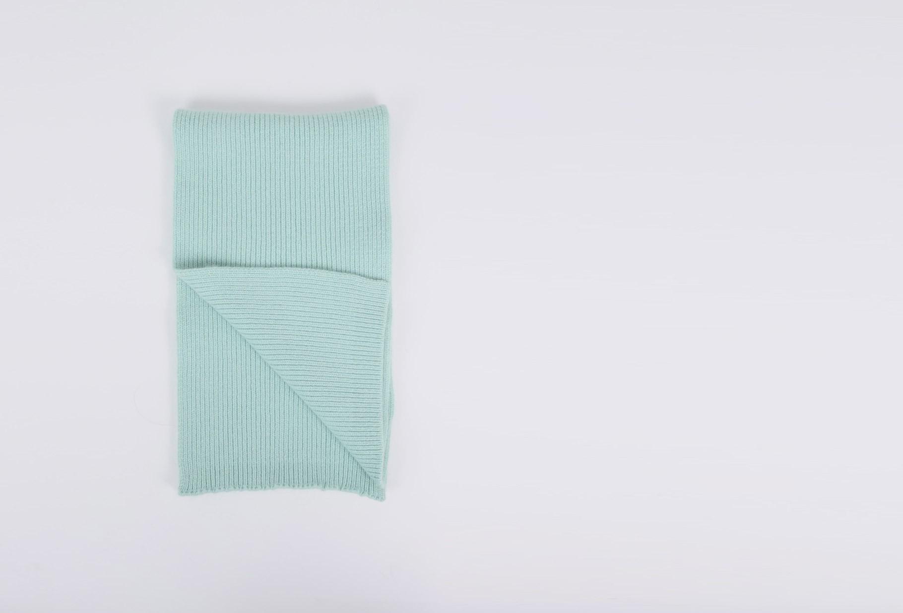 MACKIE / Geelongora ribbed scarf Ice cap