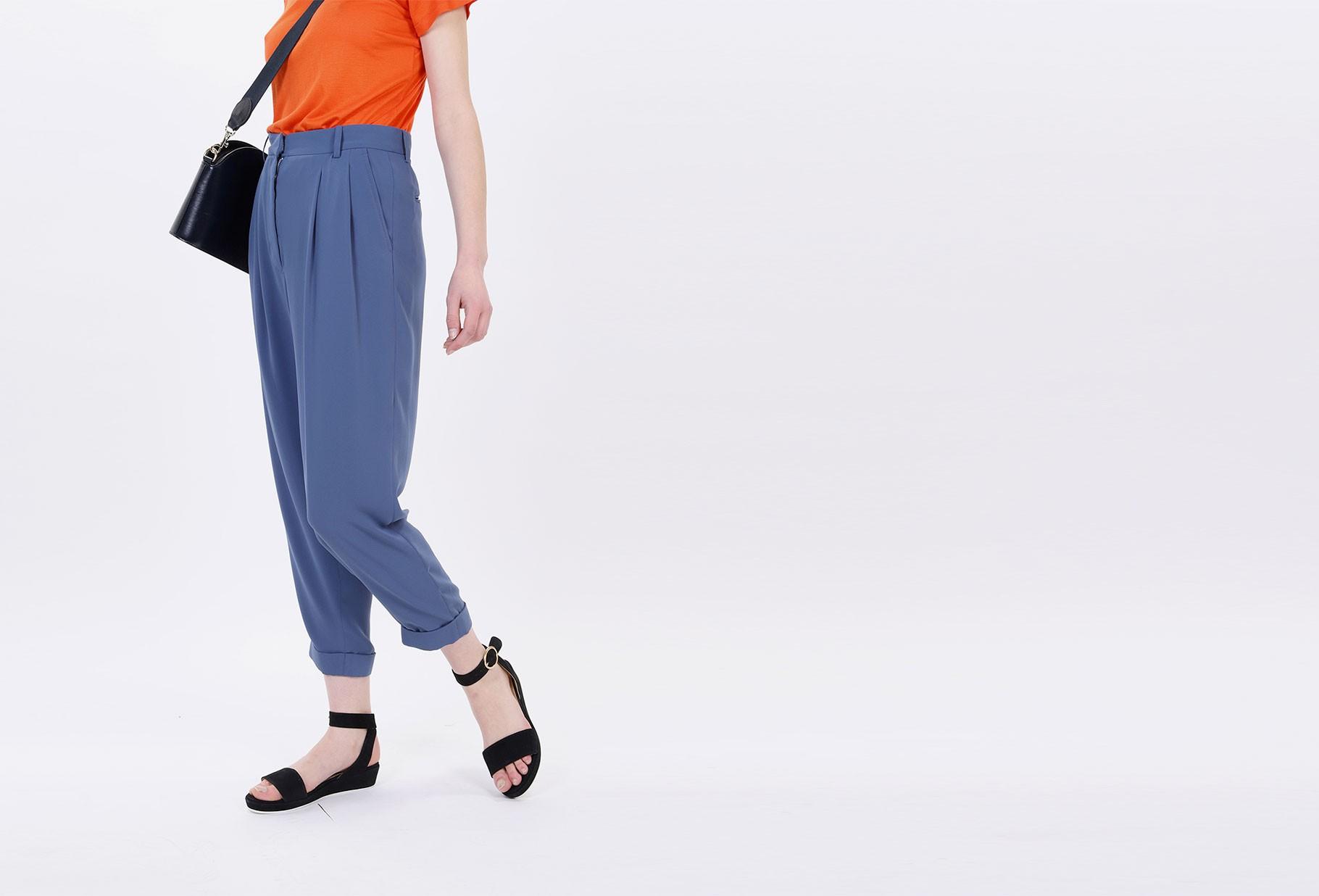 MM6 MAISON MARGIELA FOR WOMAN / Tapered trouser Avio
