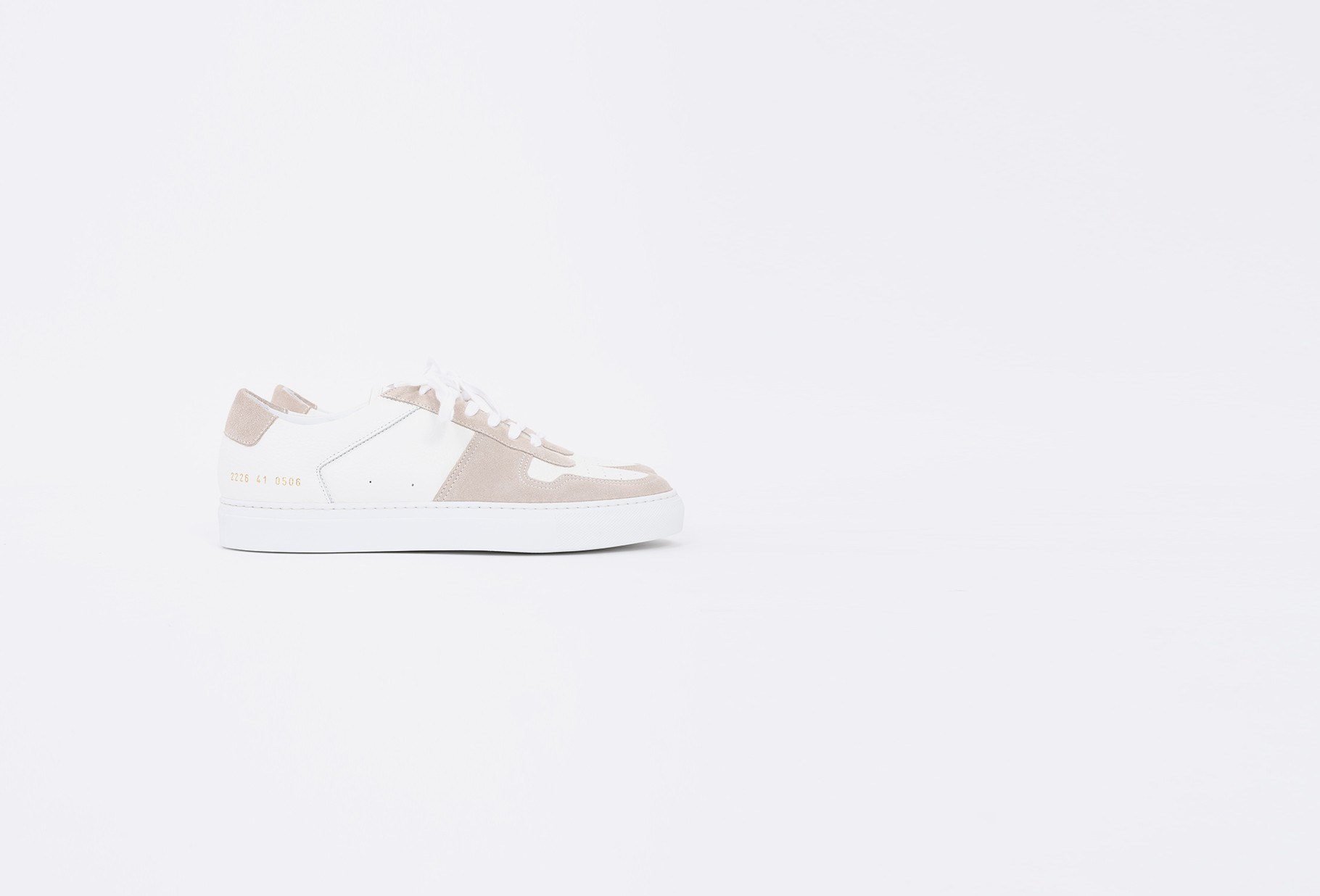 COMMON PROJECTS / Bball low premium 2226 White 0506