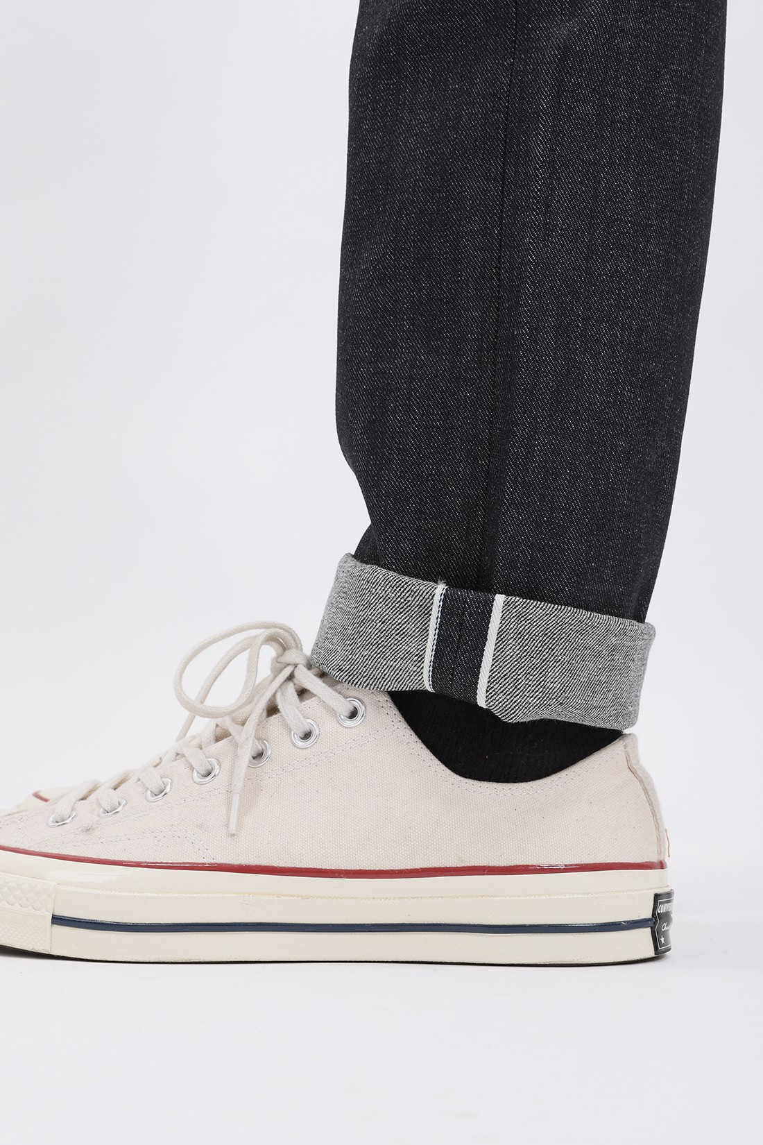 NAKED AND FAMOUS / Super guy left hand twill Selvedge indigo