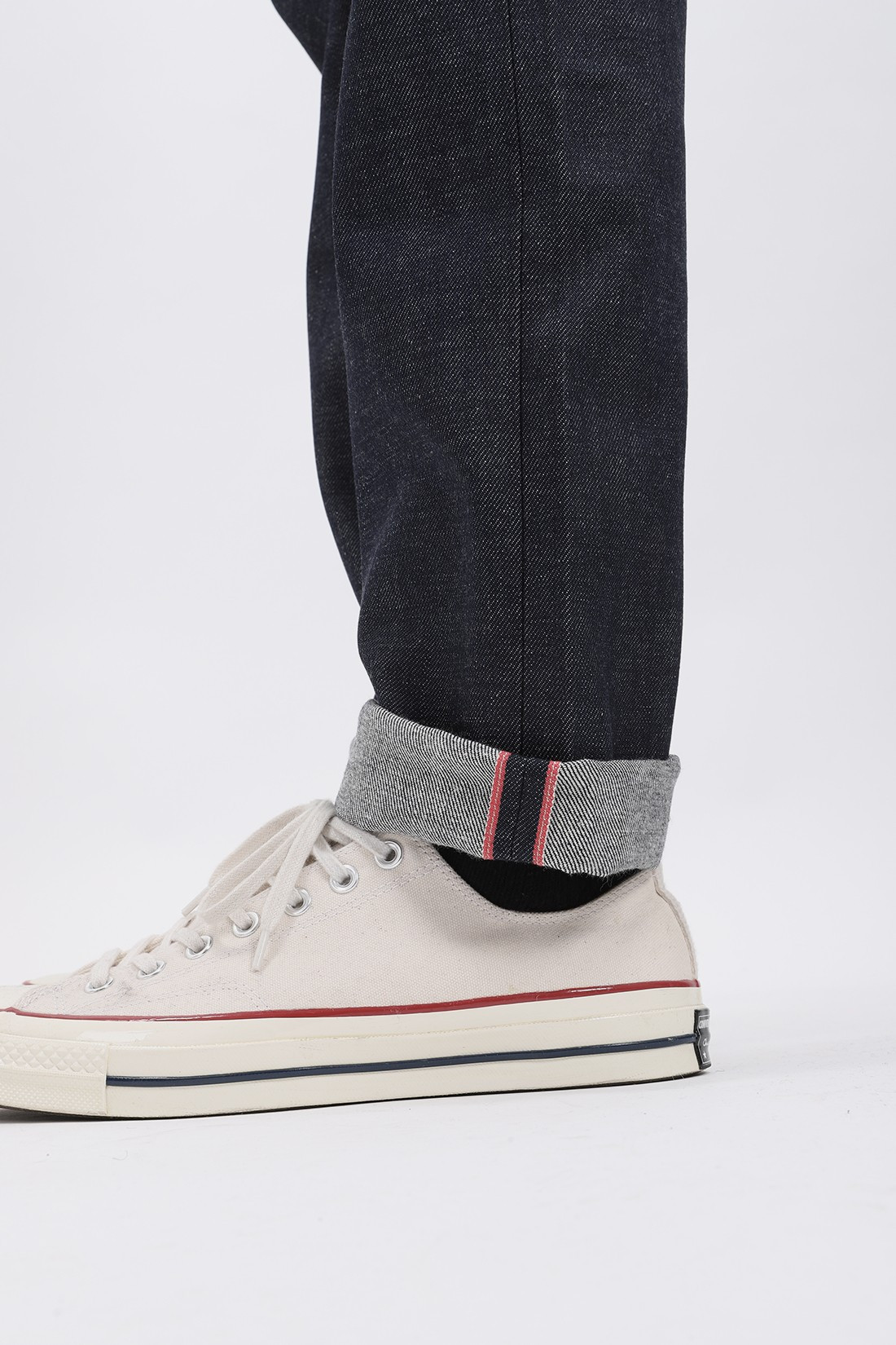 NAKED AND FAMOUS / Weird guy dirty fade Selvedge indigo
