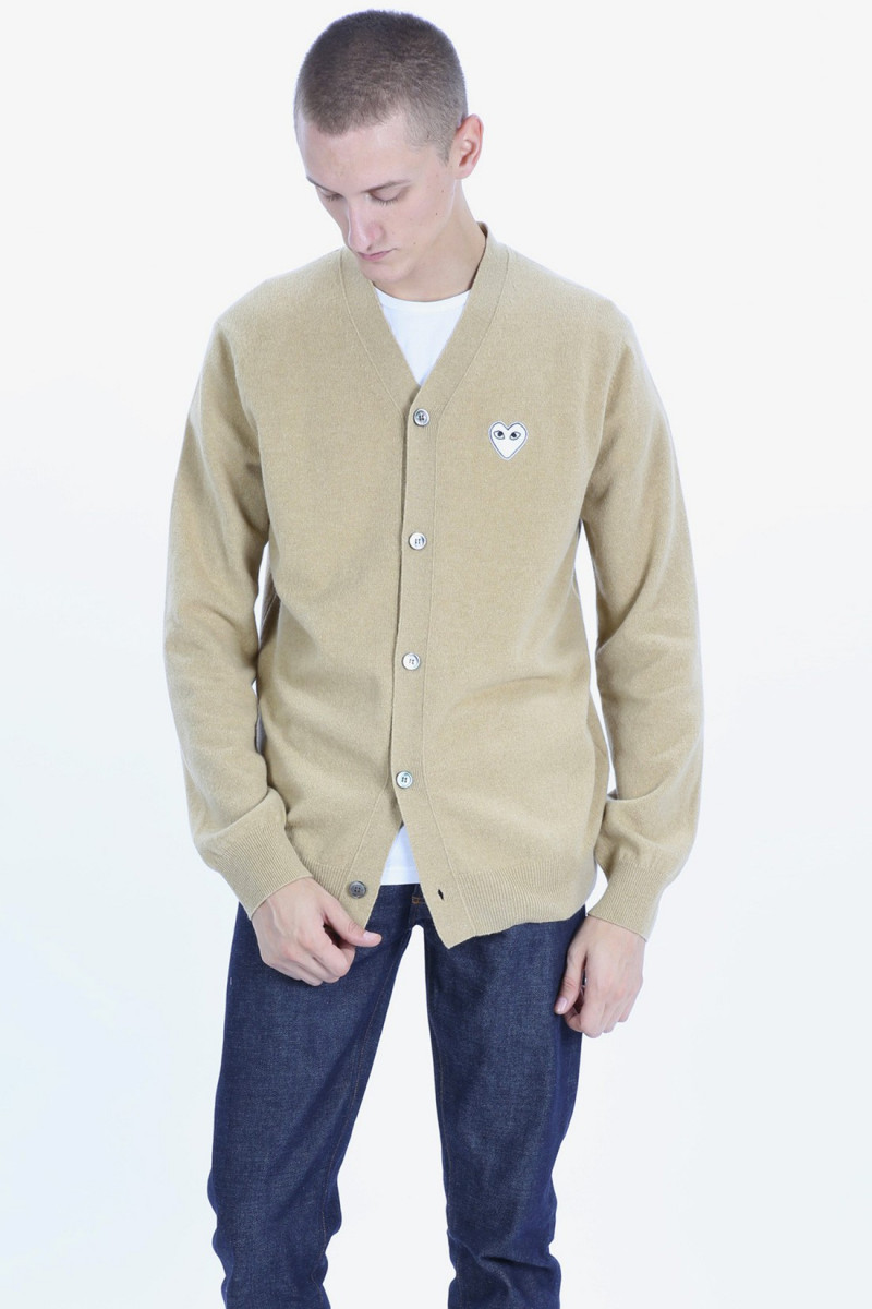 Play white heart cardigan Camel