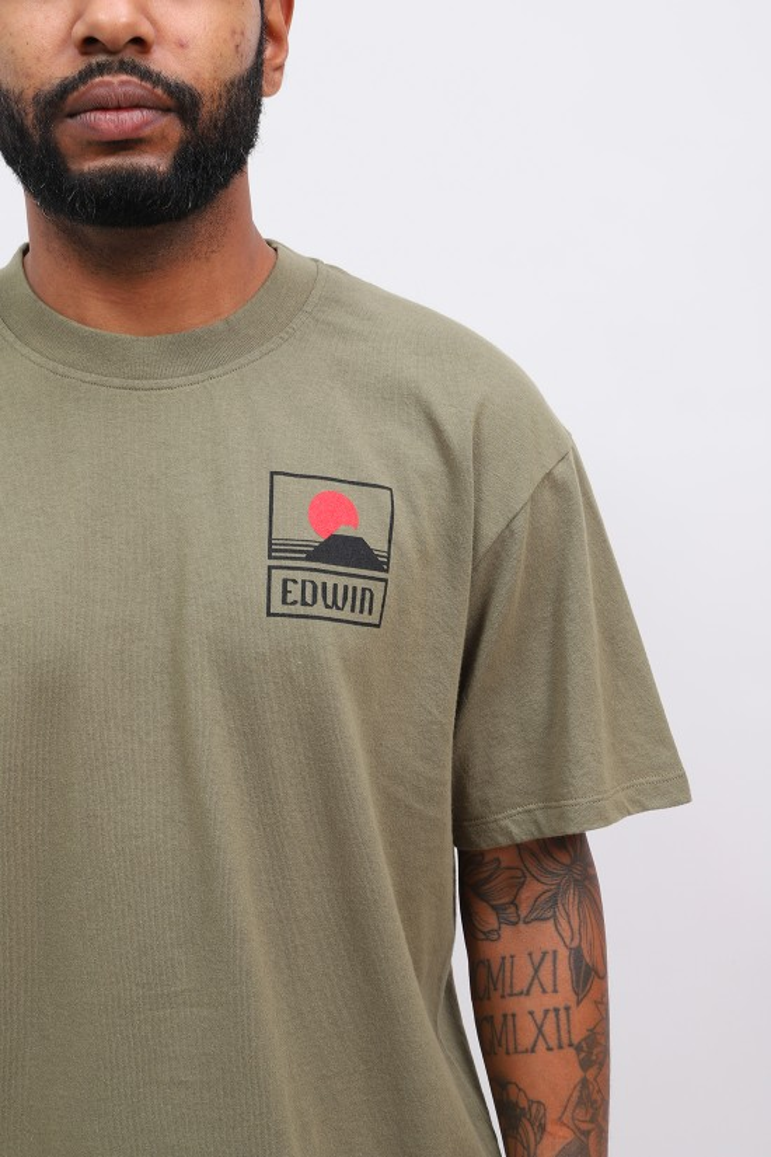EDWIN / Sunset on mt fuji tee shirt Martini olive