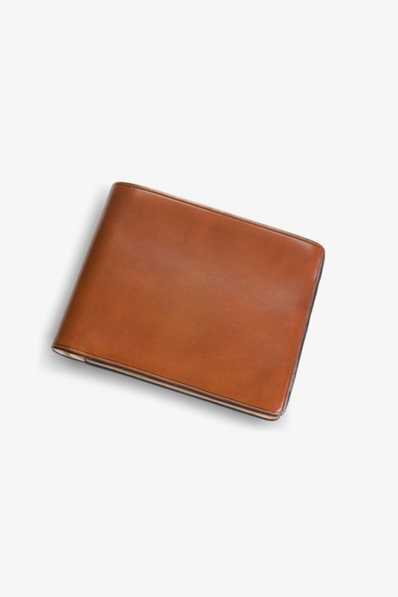 Bi-fold wallet w/ 8 card slots Light brown