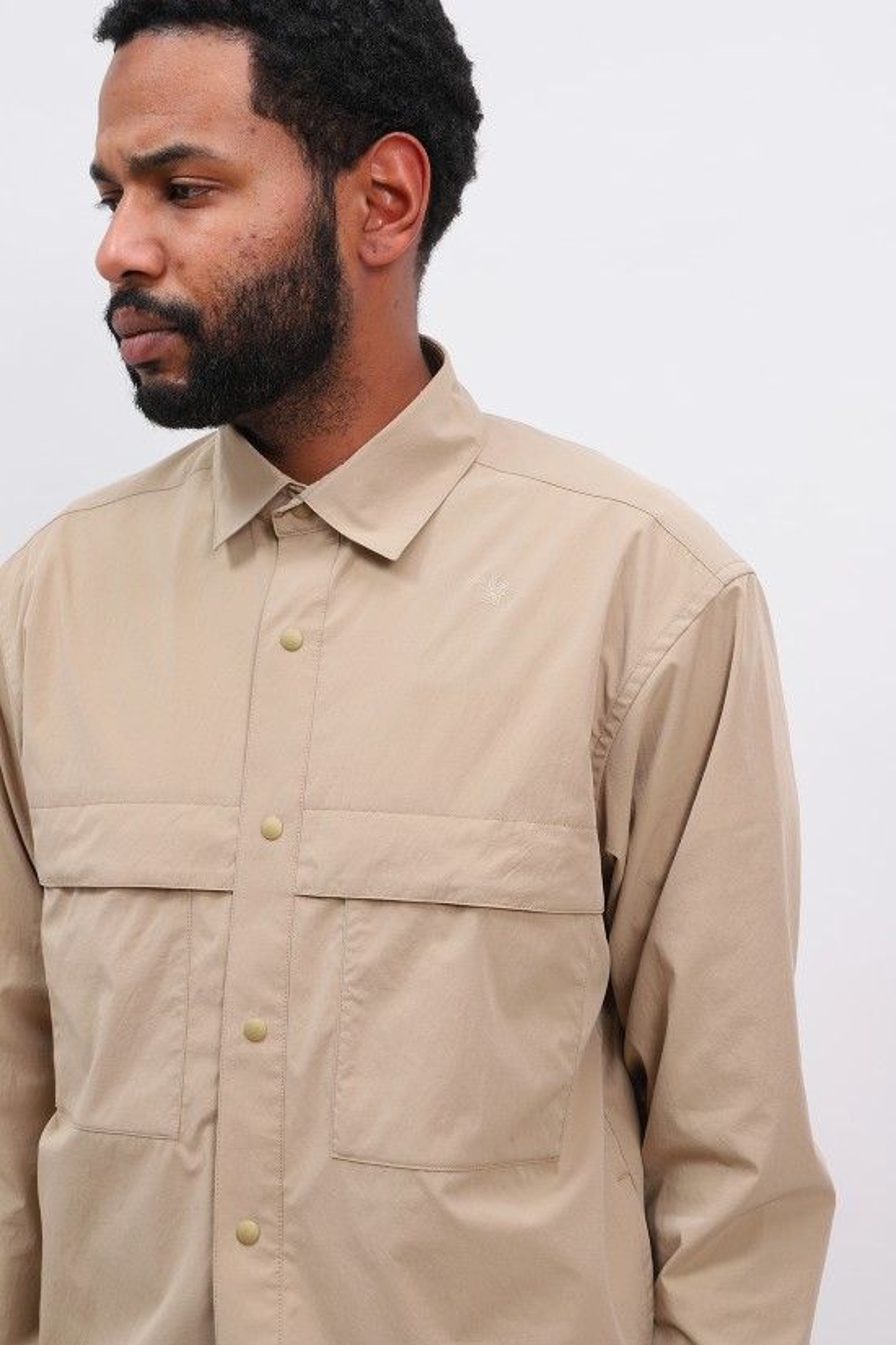 GOLDWIN / Square box coach shirt Clay beige