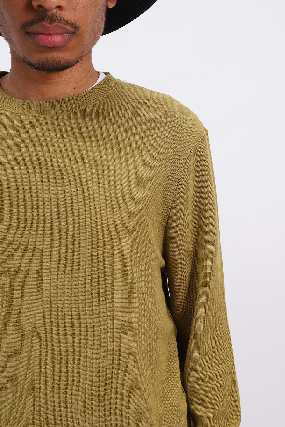 NN07 / Clive 3323 Olive green 339
