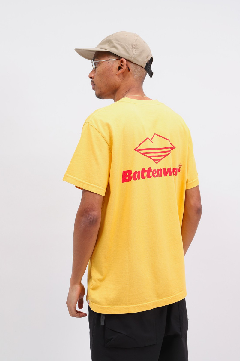 Team s/s pocket tee Mustard