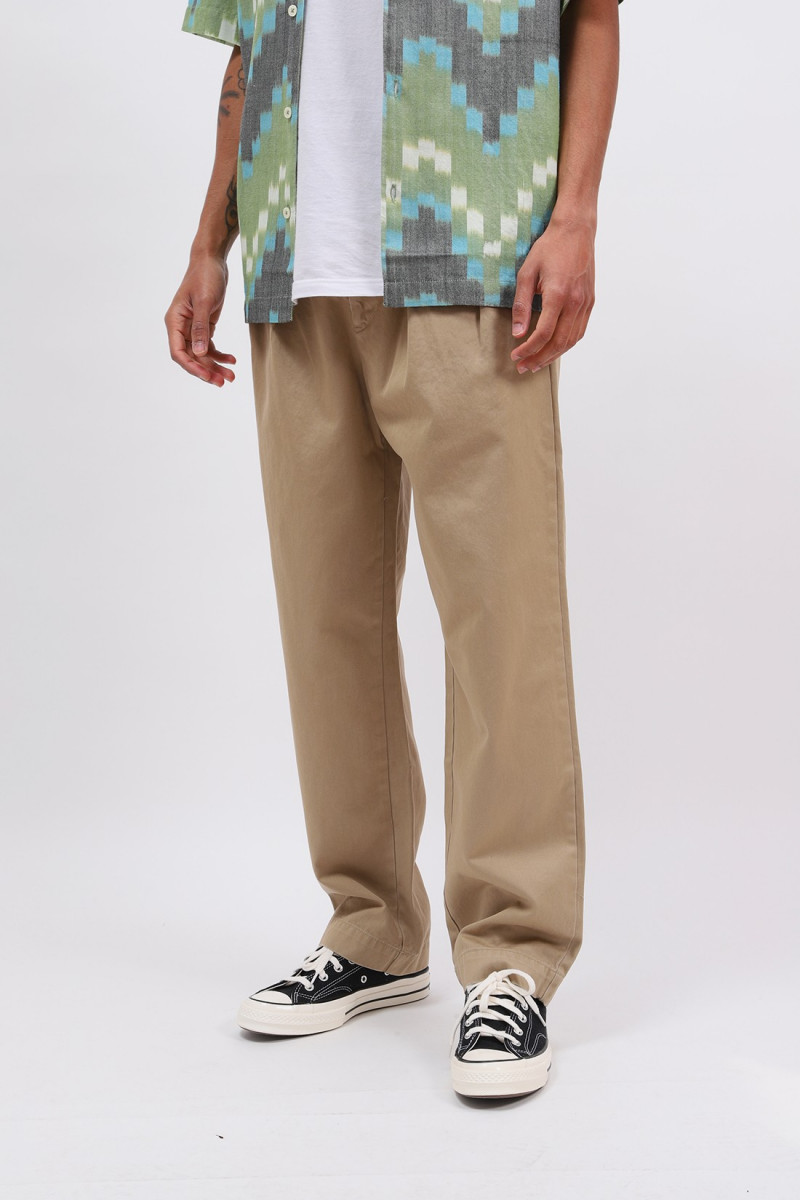 Relaxed fit pleated pant Khaki
