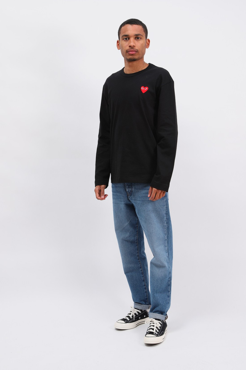 Red play ls t-shirt Black