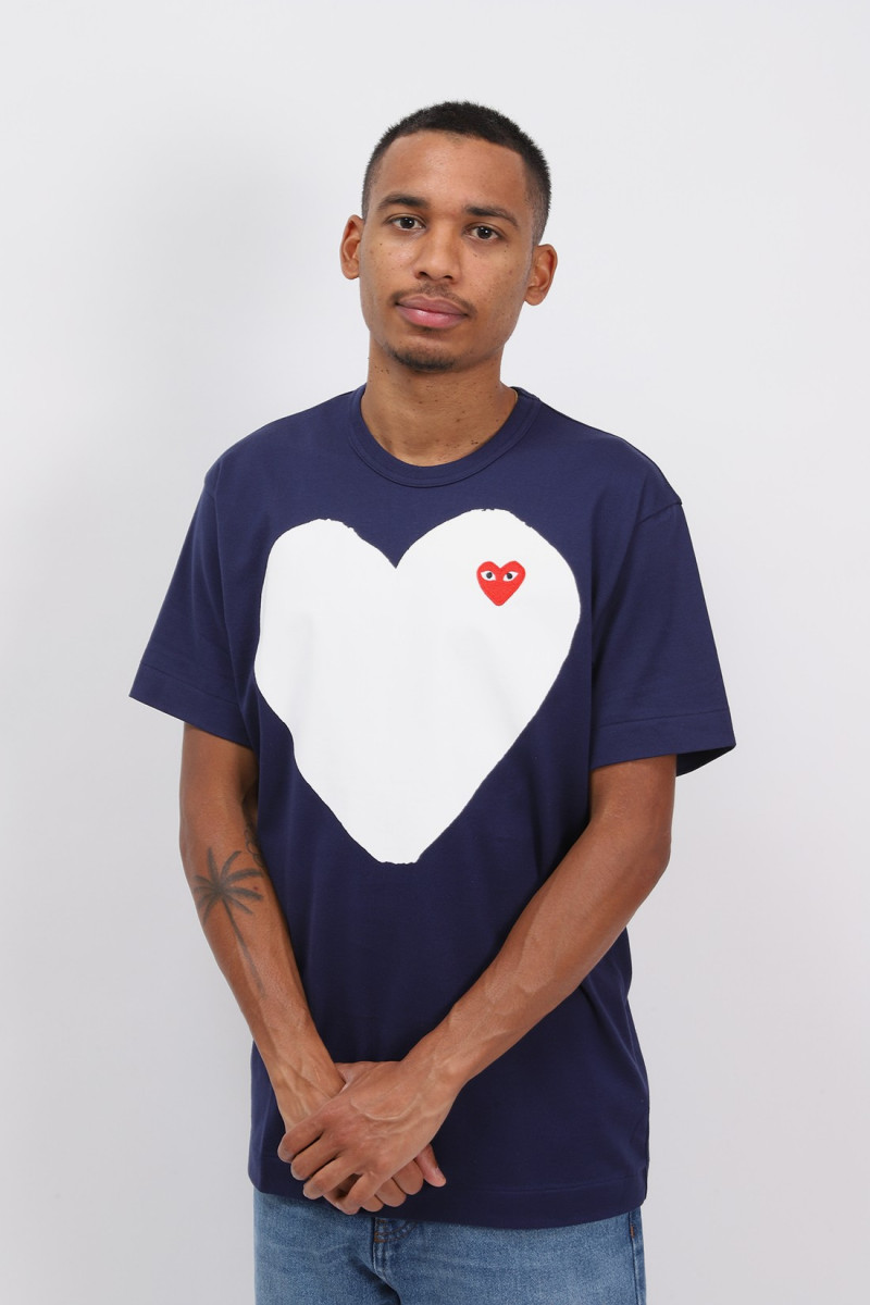 Red play white heart t-shirt Navy