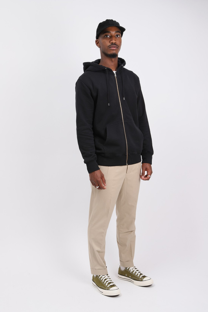 Classic organic zip hood Deep black