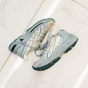 Asics Gel Kyrios for women, now available in @graduate_femme & online !